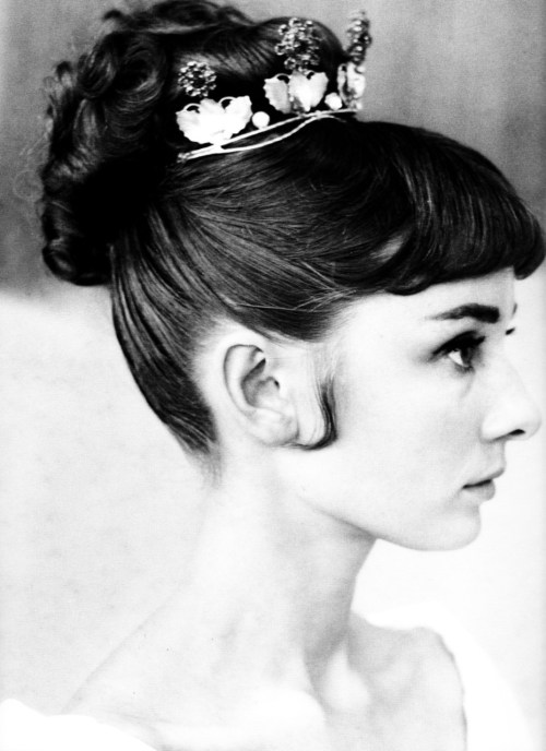 theniftyfifties:  Audrey Hepburn hair test for 'War and Peace', 1955.  Beautiful picture!!