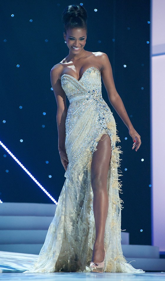 h-deeah:  I reblog her every time. Miss fucking Universe, everybody. African beauty.