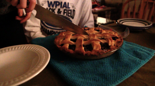 piecesofjo:  shot a pie video yesterday