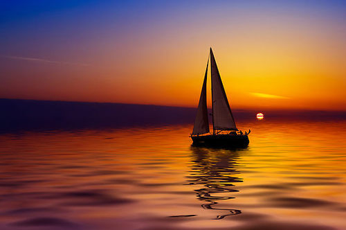 airaannone:  Sunset & sailing