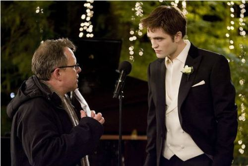 Bts still of Robward and Bill Condon