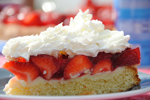diet-killers:  strawberry cake (by denisejohn_germany)