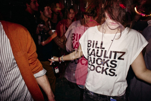 "does anyone know where i can buy this shirt? ………""bill kaulitz sucks cocks."" yeah!"