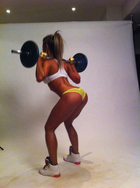 thebuddingbeauty:  Get that  Squats are sexy x