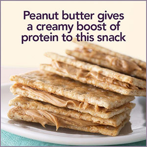 Easy Low-Carb Snack Ideas: Crackers & Peanut Butter A little bit salty and a little bit sweet, a little bit crunchy and a little bit creamy, this snack combines the best of all worlds. Put together four of your own peanut butter cracker sandwiches or buy a 4-pack from the vending machine. Just make sure to use only 2 teaspoons of peanut butter total to keep it carb-friendly and opt for low-sodium crackers to keep sodium at bay.