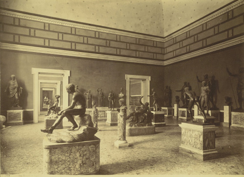 archimaps:  Inside the Gallery of Bronzes, Naples