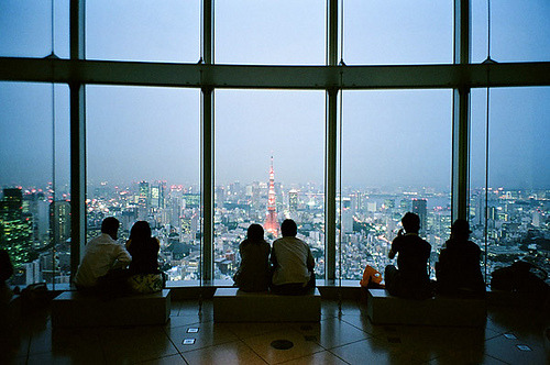 ileftmyheartintokyo:  東京シティビュー by かがみ~ on Flickr. one day i'll go here