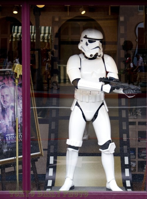 tokyodailyphoto:  Window shopping Storm Trooper - Universal Studios Japan. Tokyo Daily Photo in Osaka.