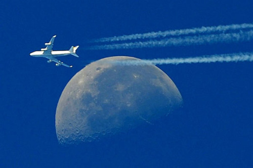 Boeing 747 on the background of the moon.  Gerard Julien / AFP - Getty Images