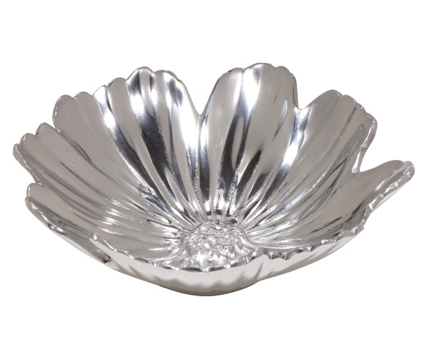 We love this Cosmos Bowl from our Shop in the Garden! Simple and chic, it's perfect for holiday entertaining. Not to mention, it's made from 100% recycled aluminum!