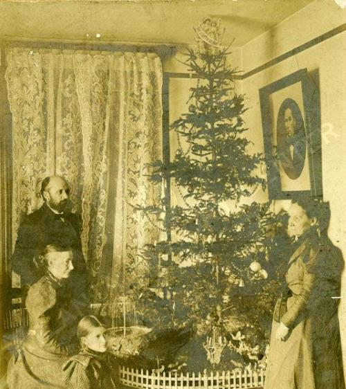 Christmas ca. 1900 at the Martini Residence.  Somewhere in Atlanta, GA.   (via Atlanta History Center Album. Martini Family)