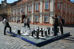 Street chess by Teodora