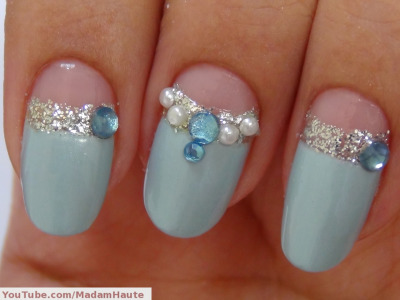 madamhaute:  Elegant Blue Winter Nail Art Design Get the look @ http://www.youtube.com/watch?v=FNiTOAQ9H0s&feature=channel_video_title