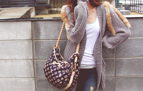 That bag! O.O WANTTT!!