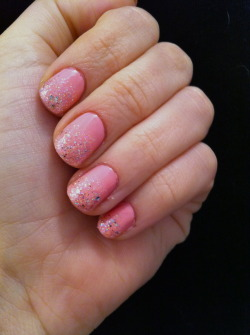 disney princess? aha pretty much the girliest nails I'll ever do..Revlon, Pink LingerieSally Hansen Xtreme Wear, Disco Ball Sally Hansen Xtreme Wear, Strobe Light