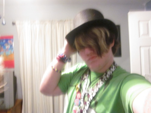 You aint cool if you dont got a top hat <3