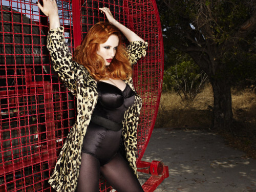 on the prowl  Christina Hendricks  via modedefemmefatale