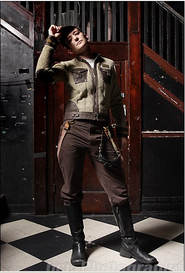 velvetcyberpunk:  Dieselpunk fashion. Looking slick.