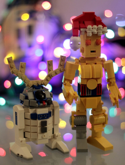 "darthambiguous:  brickbuilt:  Artoo-Deertoo and Santa-Pio by SPARKART!  I can say ""Ho Ho Ho!""  in over six million languages. ***Incredulous beep***"