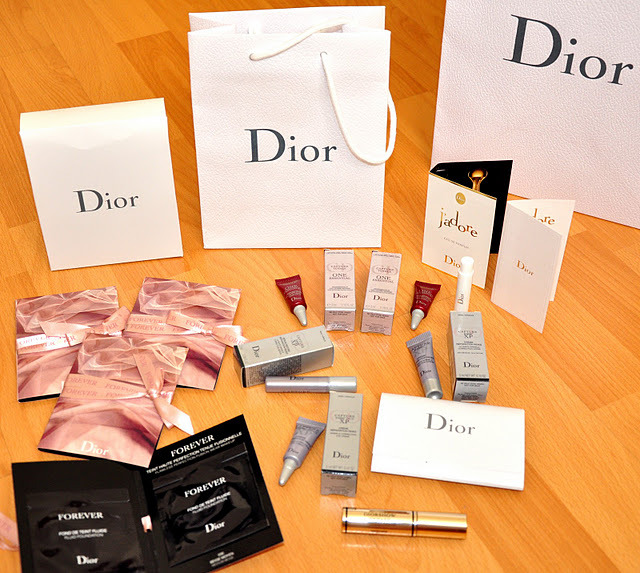 DIOR GIVEAWAY GO TO http://pehsun.blogspot.com/2011/10/mini-dior-giveaway.html  Open worldwide, ends Dec 9