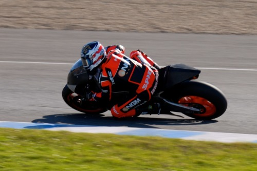 Colin Edwards The Texas Tornado tests the Forward Racing Suter/BMW CRT bike for the first time at Jerez