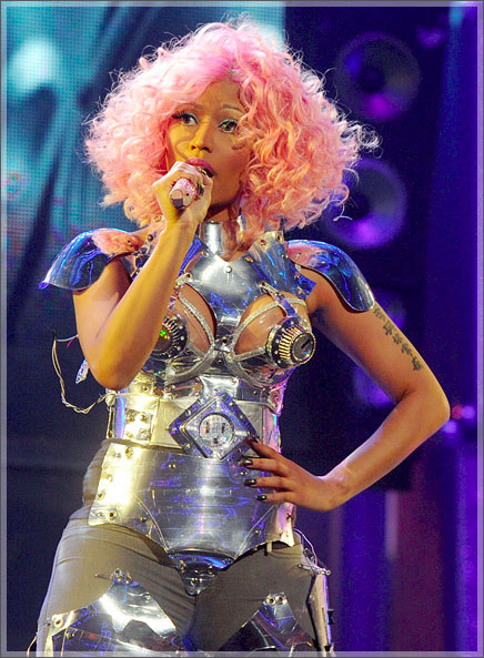 NICKI PERFORMING @ THE AMA'S