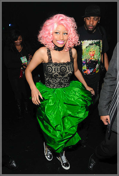 CONGRATS TO NICKI MINAJ AGAIN FOR WINNING ALBUM OF THE YEAR @ THE AMA'S!