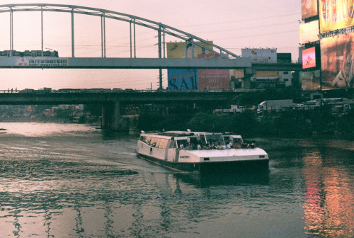 The Pasig River ferry approaches, Guadalupe station  Zenit 122B f/16, ss/500  As of this year, the Pasig Ferry River cruise has been temporarily closed. I just got off the phone with an official from the PRRC to ask about their operations and according to him, there's no definite word from his superiors about when they will resume their operations. Most likely, according to his statement, they'll start again next year, with a new operator as well.