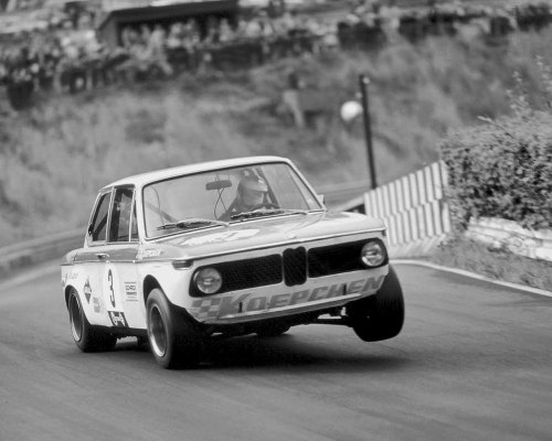 BMW 2002. Three wheelin'.