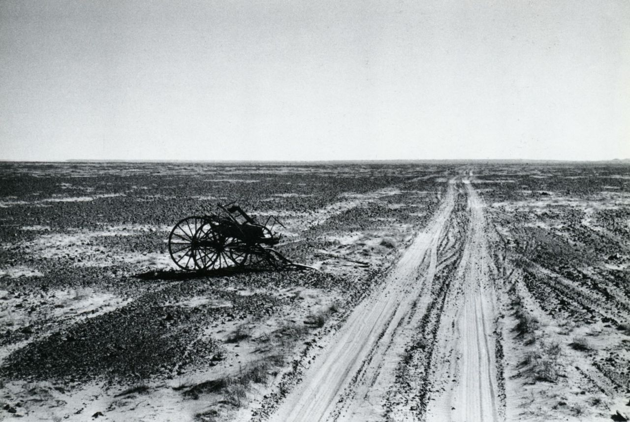 liquidnight:  Thurston Hopkins The loneliest road in the world-the Birdsville Track Central Australia, 1953 From Thurston Hopkins