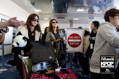 111124 G.NA and 4Minute arrive in Las Vegas