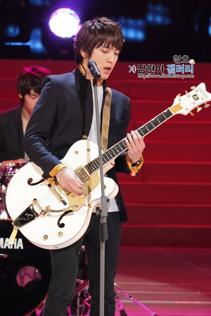 112211 YongHyuk @ 39th Republic of Korea Human Target Award