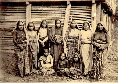 gardant:  Group of Moro women on Mindanao1902PhilippinesNational Anthropological Archives, Smithsonian Institute