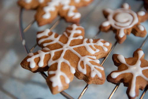 always-delicious:  Snowflake cookie | Flickr - Photo Sharing! on We Heart It. http://weheartit.com/entry/18220559