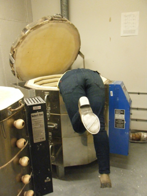 I'm too short to reach the bottom of the kiln without balancing on the rim.
