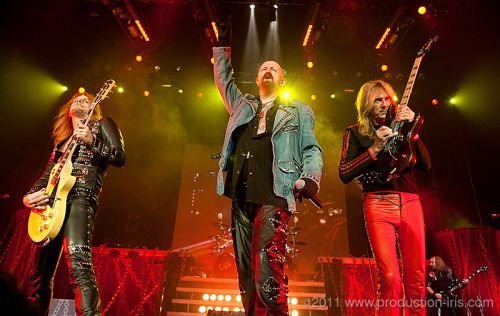 rnfr:  Judas Priest yesterday at Quebec City. Was completely awsome. It's incredible when you think of it, to be able to stand so close of such legends!!!