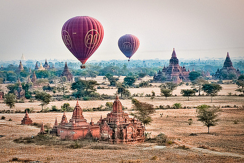 Balloons over Bagan (by samthe8th) Bagan, Myanmar