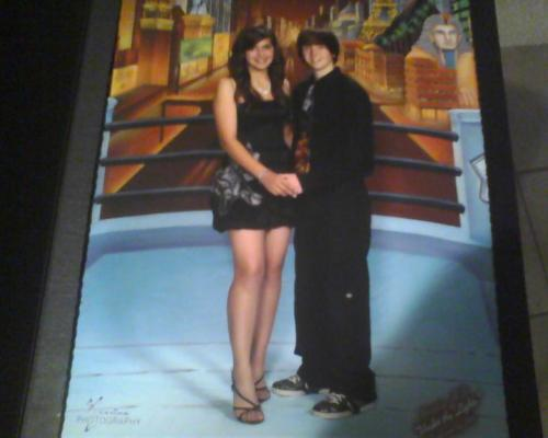 Shitty phone quality. But heres my homecoming picture <3