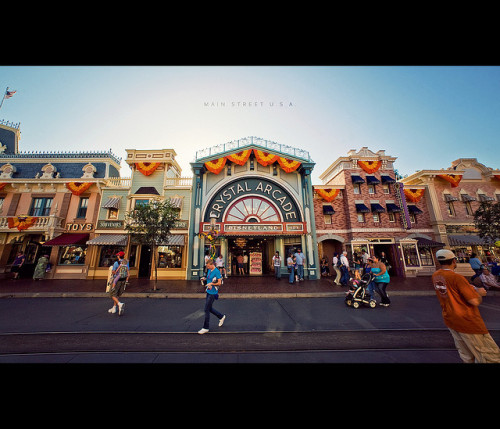 Main Street U.S.A. by isayx3 on Flickr.