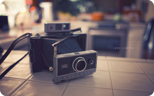 Land Camera by isayx3 on Flickr.