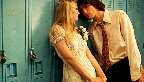 Josh Hartnett used a wig for his role as Trip Fontaine.