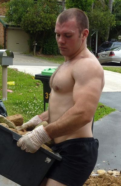 #Meaty #beefy #burly || HunkFinder ||   trunkguycandy:  Gorgeous