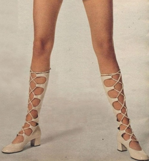 theyroaredvintage:  1960s shoe bliss.