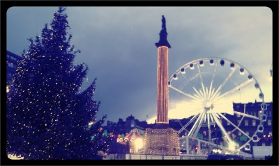 Viewing wheel! (Taken with picplz at George Square in Glasgow City.)