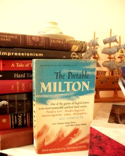 Look what I got thrifting The Portable Milton,yay to me. I'm begging for a rainy Sunday cuddled up somewhere with tea to dig my hands and eyes in this.