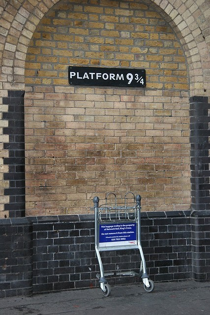King's Cross station's tribute to Harry Potter in London. MUST. GO. HERE.
