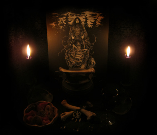 blackpoisonousrivers:  Tonight the dark moon! I give sacrifice and praise to the wolf mother this night! I focus on destroying my ego, I am humble in her essence, my humility bears the key to my awaking. Heill her; the wolf mother, may her werewolfish army shed from her bloody womb devour the cosmos!