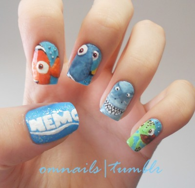 omnails:  Finding Nemo nail art | I love this movie! It's my birthday (11-26) and I'm proud of myself for doing the shadows and I think it's good, not perfect but good and I'm really happy with it, just sadly the photo can't show all of it, so I'll try to replace the photo another time :) I really hope you like it guys :D xoxo