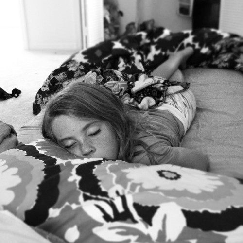 Sleepy 💤💤💤👸 #girl  #sleepy #tired #asleep #shannon #child #cute #baby  (Taken with instagram)