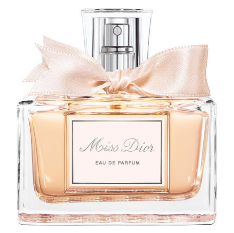 Scent of the day: Miss Dior Couture Edition. Top notes: bergamot, orange, mandarin. Middle notes: jasmine, rose absolute. Base notes: sandalwood, patchouli, vetiver.